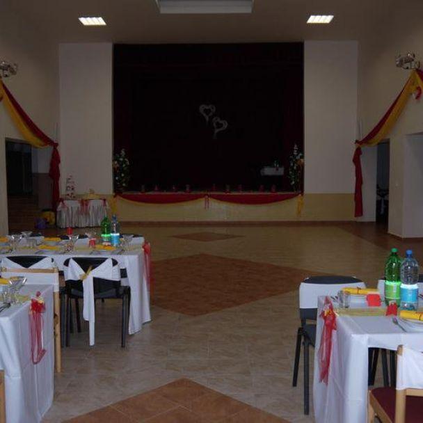 Október - sála v kultúrnom dome